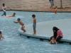 Детки и бассейн